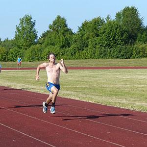 anaerobes Training auf einer 400m-Bahn